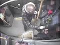 Incident v košickej MHD: VIDEO Agresor s ružou v ruke brutálne zaútočil na nevinného chlapca