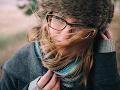 SHMÚ varuje pred vetrom: Na viacerých miestach môžu byť aj záveje