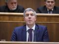 Je pozitívne, že polícia sa pri obvineniach nebojí i najvyšších pozícií, tvrdí Bugár