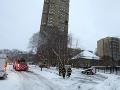 Výškovú budovu zachvátil požiar: Najmenej päť ľudí neprežilo