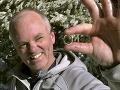 Muž stratil na túre v snehu svadobný prsteň: Našla ho dvojica turistov, neuveriteľná náhoda