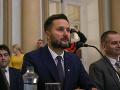 VIDEO Vallo počas zasadania zastupiteľstva penil: Vulgarizmus a zabudnutý mikrofón