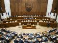 Poslanci presunuté návrhy neprerokujú, neschválili program schôdze