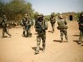 Násilnosti v Mali si vyžiadali ďalšie desiatky životov: Útočníci dedinu čiastočne vypálili
