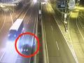VIDEO Blázon na slovenských cestách: Opitý Srb (28) jazdil po diaľnici D2 v protismere