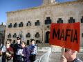 EÚ upozorňuje Maltu: Vyšetrenie vraždy novinárky nesmie ovplyvniť politický zásah