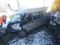 FOTO Nešťastie v Liptovskom Mikuláši: Zrážka vlaku s dodávkou, zranenia utrpel vodič