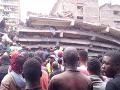 FOTO V Keni sa zrútila šesťpodlažná budova: V troskách možno uviazli ľudia