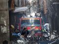 FOTO Masívny požiar pri tržnici v indickom hlavnom meste: V ohni zahynulo najmenej 43 ľudí