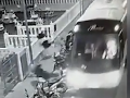 Celé španielske letovisko hore nohami! Opitý turista ukradol autobus, VIDEO jeho šialenej jazdy