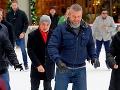 Premiér sa odviazal v New Yorku: Pellegrini na ľade a... pózovačka so sympatickými policajtami