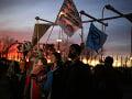 Aktivisti protestujú počas klimatického summitu OSN: Pred budovu vysypali konský trus