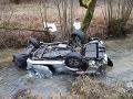FOTO Vodič pri Považskej Bystrici sa druhýkrát narodil: V zákrute vyletel rovno do potoka