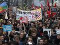 Protesty vo Francúzsku neutíchajú: Vláda rokuje o návrhoch dôchodkovej reformy