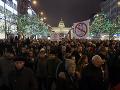 Praha opäť na nohách: FOTO Tisícky ľudí protestovali proti Babišovi, ten zatiaľ rokoval so Zemanom