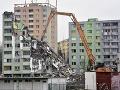 Mrazivý pohľad na panelák v Prešove: VIDEO Z vybuchnutej bytovky zostali už len ruiny