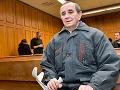 Je to terorista! Súd rozhodol a potvrdil dôchodcovi štvorročný trest