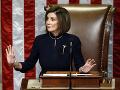 Pelosiová zopakovala, že sa modlí za Trumpa: Ten ju za to kritizoval