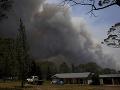 Austráliu sužujú lesné požiare: Zasahujú tisíce hasičov, situáciu komplikuje vietor