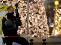 Veľký policajný zásah v centre Berlína: Neznáma osoba začala strieľať v obchode