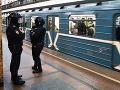 Polícia dostala anonymný telefonát na bombu: Teraz prehľadávajú päť železničných staníc
