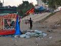Protivládne protesty v Iraku neutíchajú: Demonštranti sa búria, zablokovali už aj cesty