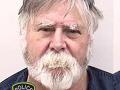 Santa naozaj existuje! Muž vykradol banku a rozhadzoval peniaze ľuďom