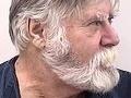 Muž na FOTO pred Vianocami vylúpil banku: Neuveríte, čo spravil s peniazmi