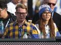 Macaulay Culkin a Brenda Song tvoria zamilovaný a šťastný pár.