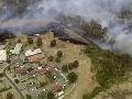 Ohnivé peklo v Austrálii: Turisti musia opustiť oblasti postihnuté lesnými požiarmi