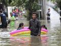 Ničivé záplavy zasiahli Indonéziu: O život prišlo najmenej 16 ľudí