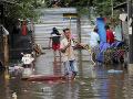 VIDEO Ničivé záplavy v Jakarte: Najmenej 53 ľudí je mŕtvych