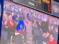 VIDEO strašného trapasu kiss kamery na hokeji: Blondínka sa už vytešovala, priateľ ju totálne schladil