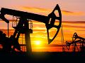 Trhy reagovali na eskaláciu napätia, odveta Iránu posunula ceny ropy nahor