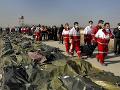 Pád lietadla v Teheráne: Telá obetí previezli z Iránu do vlasti