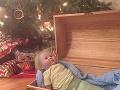 FOTO Mama kúpila dcérke na Vianoce bábiku: Hrozivý nález v jej hlave, to nečakala ani v najhoršom sne