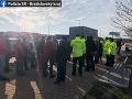 Zhromaždenia autodopravcov obmedzili dopravu na viacerých miestach Slovenska
