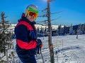Tomáš Bezdeda si aktuálne užíva lyžovačku na Martinských holiach.