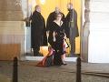 Ešte pred polnocou odchádzala z Plesu v opere aj Regina Ovesny Straka z oblasti poisťovníctva.