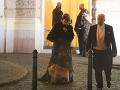 Po Monike Hilmerovej a Jarovi Bekrovi vyšli z budovy aj manželia Rehákovci.