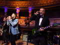 Hostí na tohtoročnom Plese v opere zabavili aj hudobné čísla Müllera, Dyka, Rupperta, Černochovej či kapely Hex.