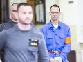Alexander B. (vpravo), ktorý je obžalovaný z vraždy masérky