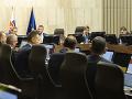 Vládu čaká rušný deň: Prerokovať má korekčný mechanizmus pre rozpočet aj nový zákon o výstavbe