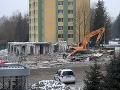 Prešov sa po výbuchu bytovky stále nespamätal: Obvinenia z predraženej objednávky, mesto sa bráni