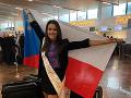 Karolína Kokešová počas odchodu na svetovú súťaž.