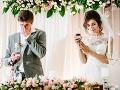 Ženích (32) na vlastnej svadbe zatiahol čašníčku na toalety a... Zhrozená odtiaľ utiekla