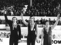 Majstrovstvá sveta v krasokorčuľovaní na Zimnom štadióne v Bratislave: na stupni víťazov zľava Sergej Četveruchin /ZSSR/, Ondrej Nepela /ČSSR/ a Jan Hoffmann /NDR/.