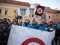 Kotlebovci pohoreli: Zhromaždenie v Levoči museli zrušiť! VIDEO Prišli stovky demonštrantov