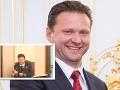 V českom parlamente majú tiež veselo: VIDEO Pozrite sa, čo predseda ukázal poslancom!