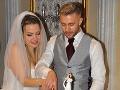 Júlia a Ľubo počas svojej svadby.